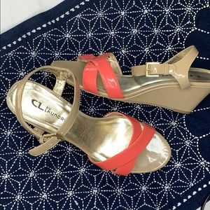 CL by laundry coral and tan wedge sandals 10